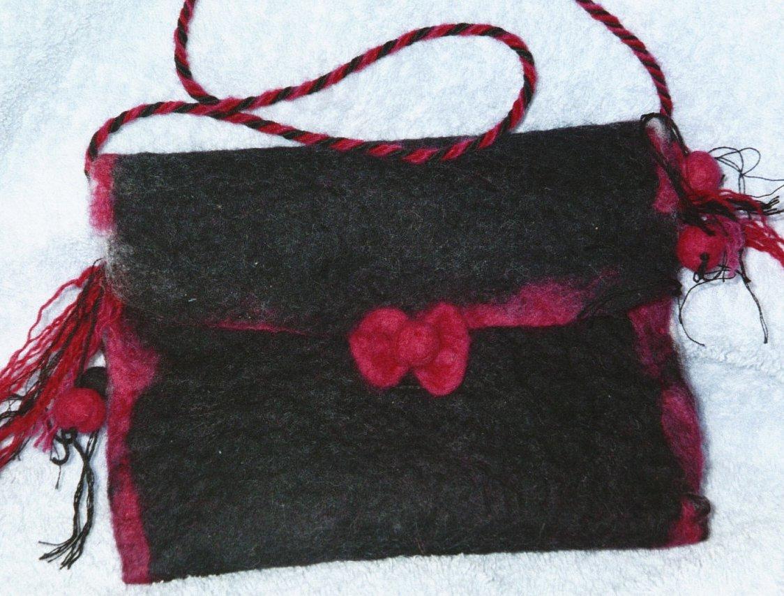 Black/pink felt bag
