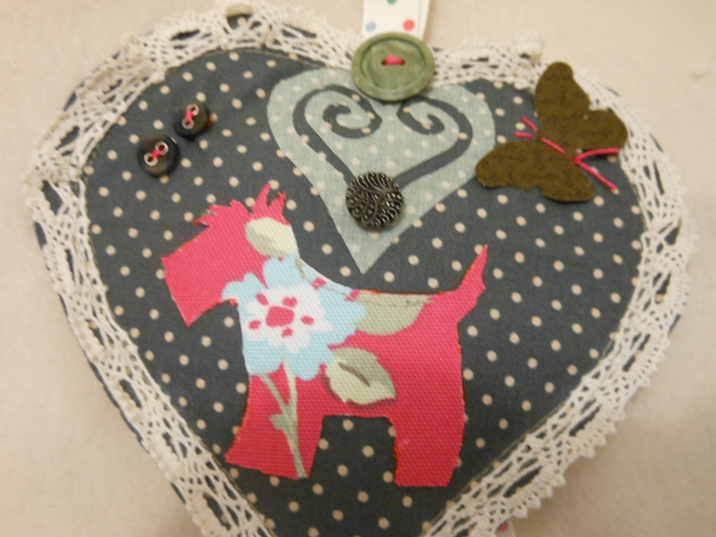 Scottie Dog Love heart
